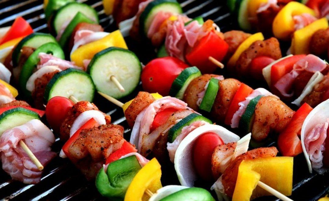 גריל גז למרפסת – איך להכין ארוחות משפחתיות מהירות?